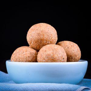 Paleo ginger-snap balls - Christmas desserts